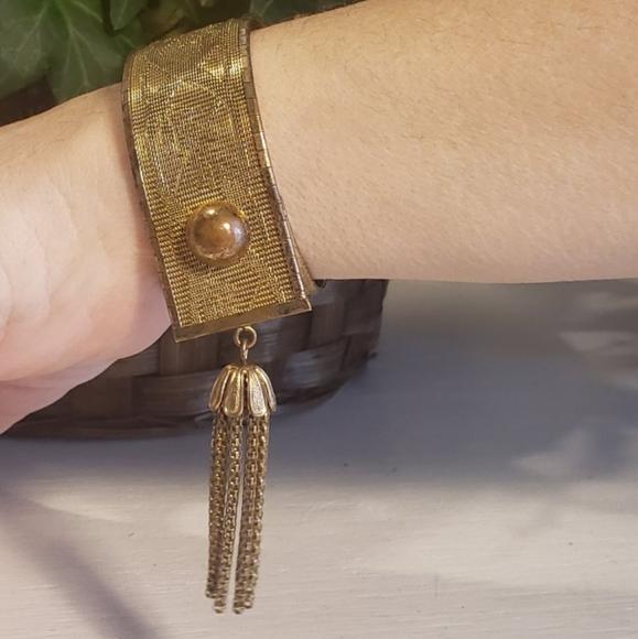 Vintage Jewelry - Victorian gold mesh bracelet